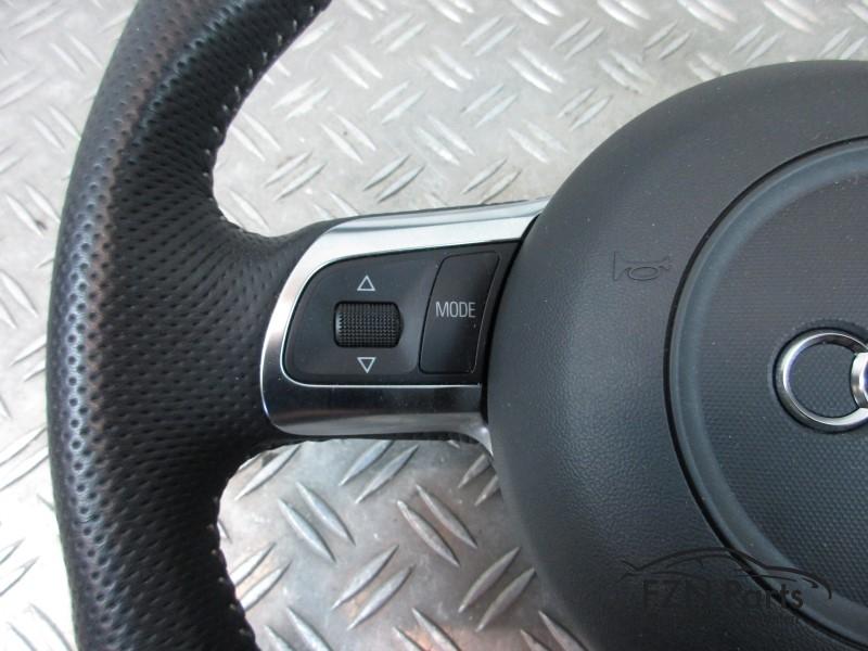 Audi a3 8p0 s line stuur platte onderkant airbag fzn parts for Audi a3 onderdelen interieur